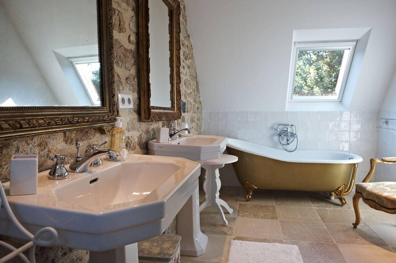 Chambre Ouessant baignoire ancienne