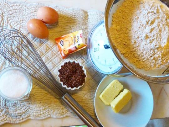 préparation d'un gâteau pour le petit-déjeuner